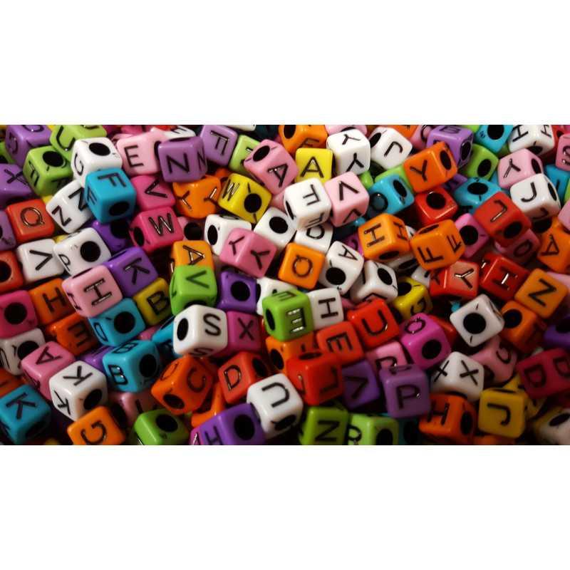 Perles Alphabet Couleur Mixte Cube 7mm Lettre Aléatoire