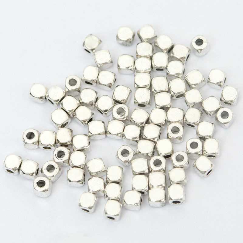 50 Perles Cube Acrylique 3mm Argenté
