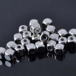 40 Perles Cube Acrylique 4mm Argenté MC0104008