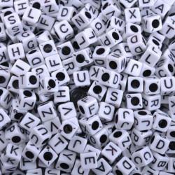 50 Perles Alphabet Blanche Cube 6mm Lettre Aléatoire MC0106100