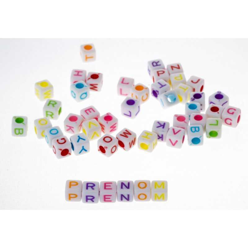 100 Perles Alphabet Blanche Ecriture Mixte Cube 6mm Lettre Aléatoire