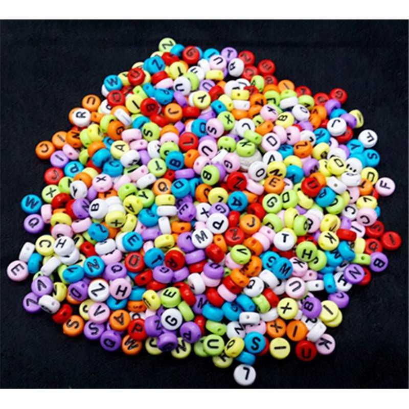 50 Perles Alphabet Multi-couleur Ecriture Noir Ronde 7mm x 4mm  Acrylique Lettre Aléatoire