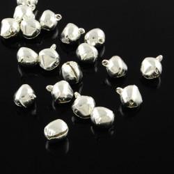 20 Cloche 10mm x 8mm x 7mm Grelots Metal Argente Clochette Jingle Bell MC0800510