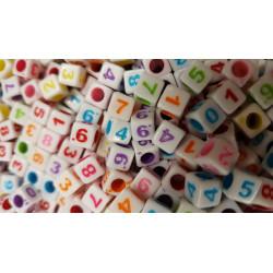 Lot 50 - 100 - 200 Perles Mixte Chiffre Cube 6mm